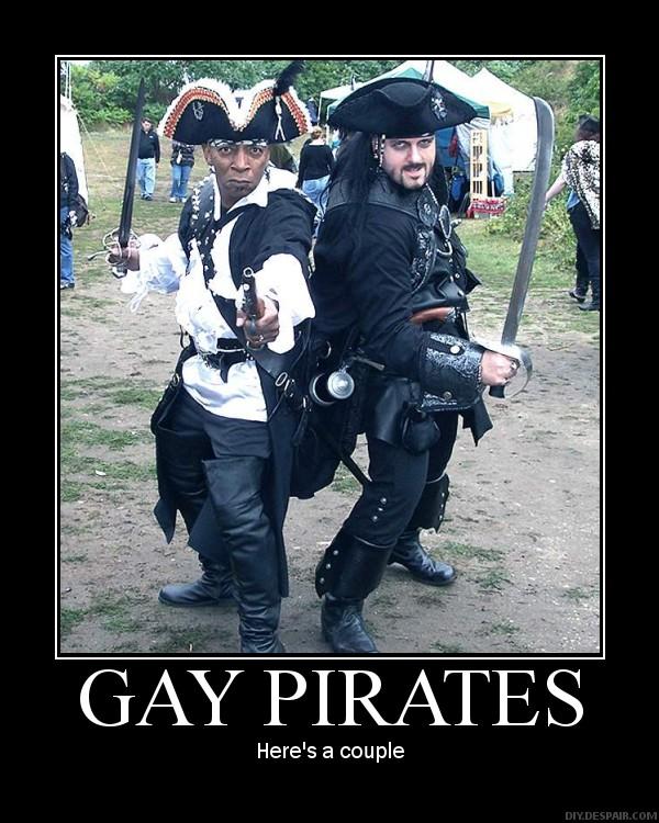 Midget in pirates doing porn